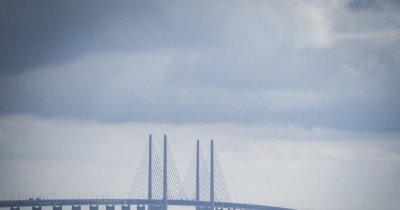 Most nad Sundem, łączący Danię ze Szwecją, świętował w środę 20. rocznicę powstania. Z okazji jubileuszu na ponad 200-metrowym pylonie przeprawy zagrał duński zespół Lucas Graham.