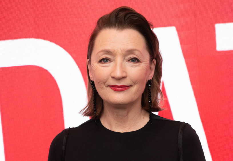 """Poznaliśmy nazwisko aktorki, która wcieli się w księżniczkę Małgorzatę w kolejnej odsłonie serialu """"The Crown"""". Będzie to Lesley Manville, gwiazda nominowana do Oscara za rolę w dramacie """"Nić widmo""""."""