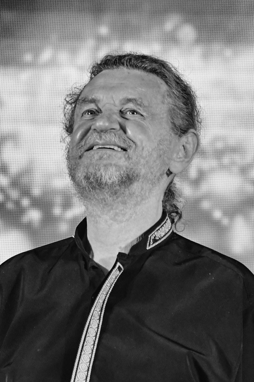 """W piątek (3 lipca) w Rabce-Zdroju odbędzie się pogrzeb Piotra """"Kuby"""" Kubowicza, wokalisty, aktora i kompozytora związanego z Piwnicą pod Baranami."""