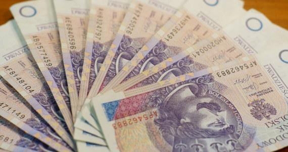 """Urząd Ochrony Konkurencji i Konsumentów nałożył już pierwsze kary na przedsiębiorców za tak zwane """"opłaty covidowe"""" – dowiedzieli się dziennikarze RMF FM."""