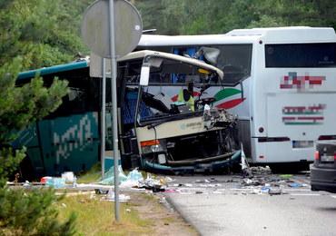 Wypadek dwóch autokarów i busa w Dźwirzynie. Jest śledztwo