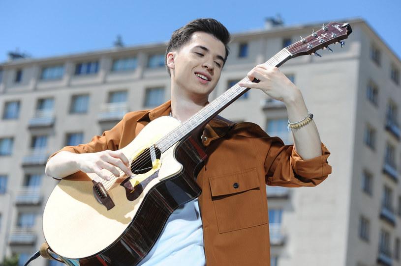 """Do sieci trafił nowy singel Marcina Patrzałka pt. """"Nocturne"""". O polskim gitarzyście znów będzie głośno na całym świecie?"""