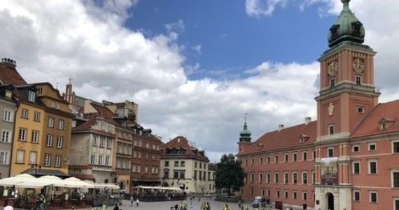 Zwykle są niewidzialni, dziś pikietowali na Placu Zamkowym w Warszawie. Branża techniki estradowej to w Polsce nawet 300 tysięcy osób. Ponieważ organizują duże widowiska i koncerty - dziś nie mają z czego żyć, a większości nie obejmuje tarcza antykryzysowa.