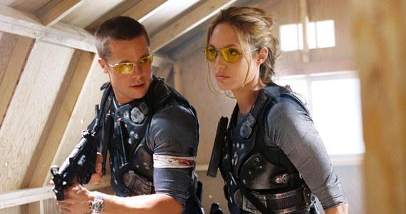 """Jesienią ruszą zdjęcia do nowego filmu z Bradem Pittem. Postanie w oparciu o japoński bestseller. Chodzi o dreszczowiec """"Bullet Train"""" na podstawie poczytnej japońskiej książki """"Maria Beetle"""". Jak pisze branżowy magazyn Variety film wyreżyseruje David Leitch, który ma na koncie m.in obrazy Deadpool 2, John Wick czy Atomic Blonde."""