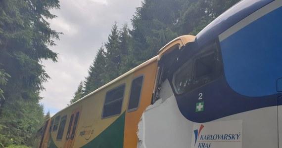 Co najmniej 2 osoby zginęły, a około 30 zostało rannych w katastrofie kolejowej koło miejscowości Pernink w Czechach. Przyczyny czołowego zderzenia dwóch pociągów osobowych bada prokuratura.