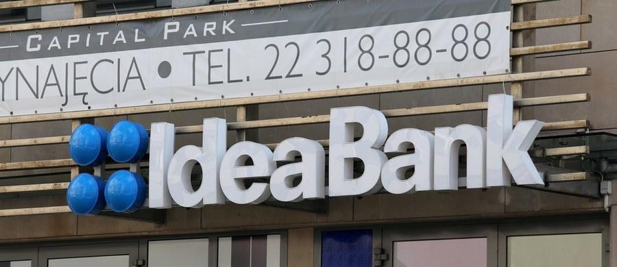 Klienci Idea Banku przez kilkanaście godzin nie mogli korzystać z bankowości mobilnej oraz internetowej. W środę po południu poinformowano, że awaria jest już usunięta.