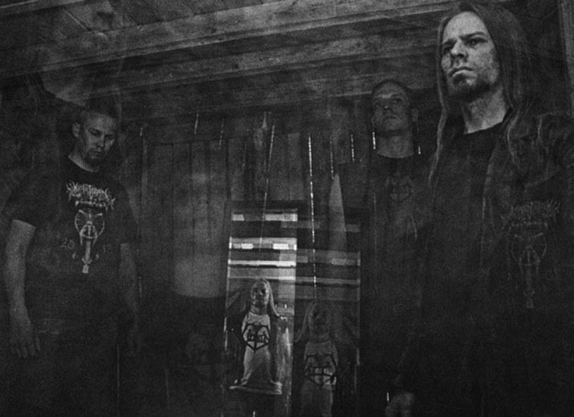 """Już w piątek, 10 lipca, do rąk fanów black / death metalu trafi """"Dimensions"""", nowa płyta fińskiej grupy Lantern."""