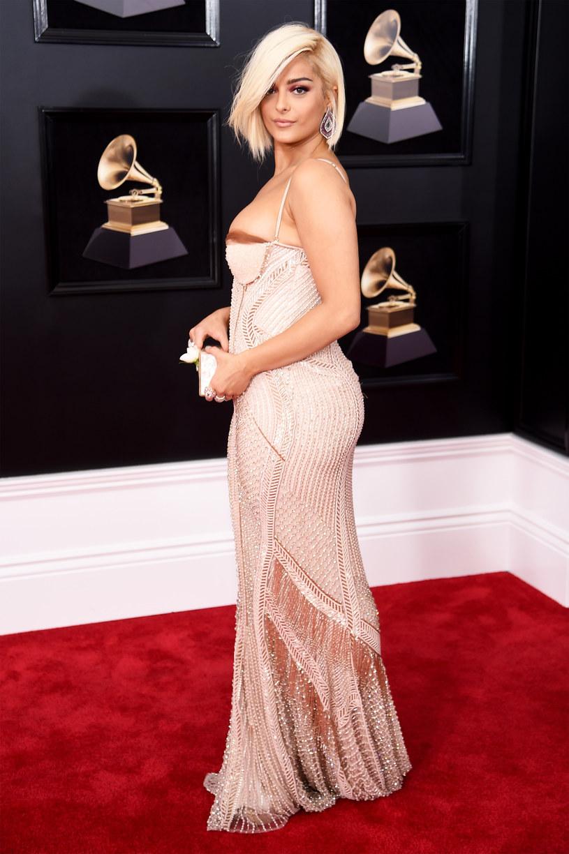 Bebe Rexha podzieliła się z fanami nowymi informacji na temat jej nowej muzyki. To jednak nie wszystko wokalistka zdecydowała, że wróci do swojego starego koloru włosów.