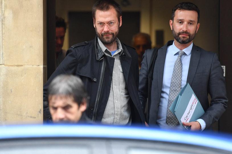 Tom Meighan - były już wokalista Kasabian - został skazany za pobicie swojej partnerki na 200 godzin prac społecznych. Decyzja sądu jest szeroko komentowana, a organizacje walczące z przemocą domową są oburzone i twierdzą, że kara dla gwiazdora jest skandalicznie niska.