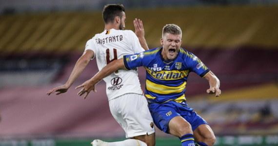Włoski klub piłkarski Parma Calcio poinformował, że jeden z jego członków miał pozytywny wynik testu na koronawirusa. Jak dodano, nie chodzi o zawodnika drużyny ekstraklasy.