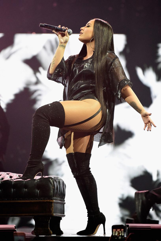 Demi Lovato przyznała, że w pewnym momencie myślała o przerwaniu kariery. Wszystko z powodu realiów, jakie panują w branży muzycznej. Zdradziła też, że z tego powodu sięgnęła po używki.