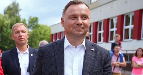 W 2015 roku I tura wyborów prezydenckich odbyła się 10 maja 2015 roku. Wystartowało w niej 11 kandydatów. Głosowanie wygrał Andrzej Duda przed Bronisławem Komorowskim. Ci kandydaci zmierzyli się 2 tygodnie później w II turze.