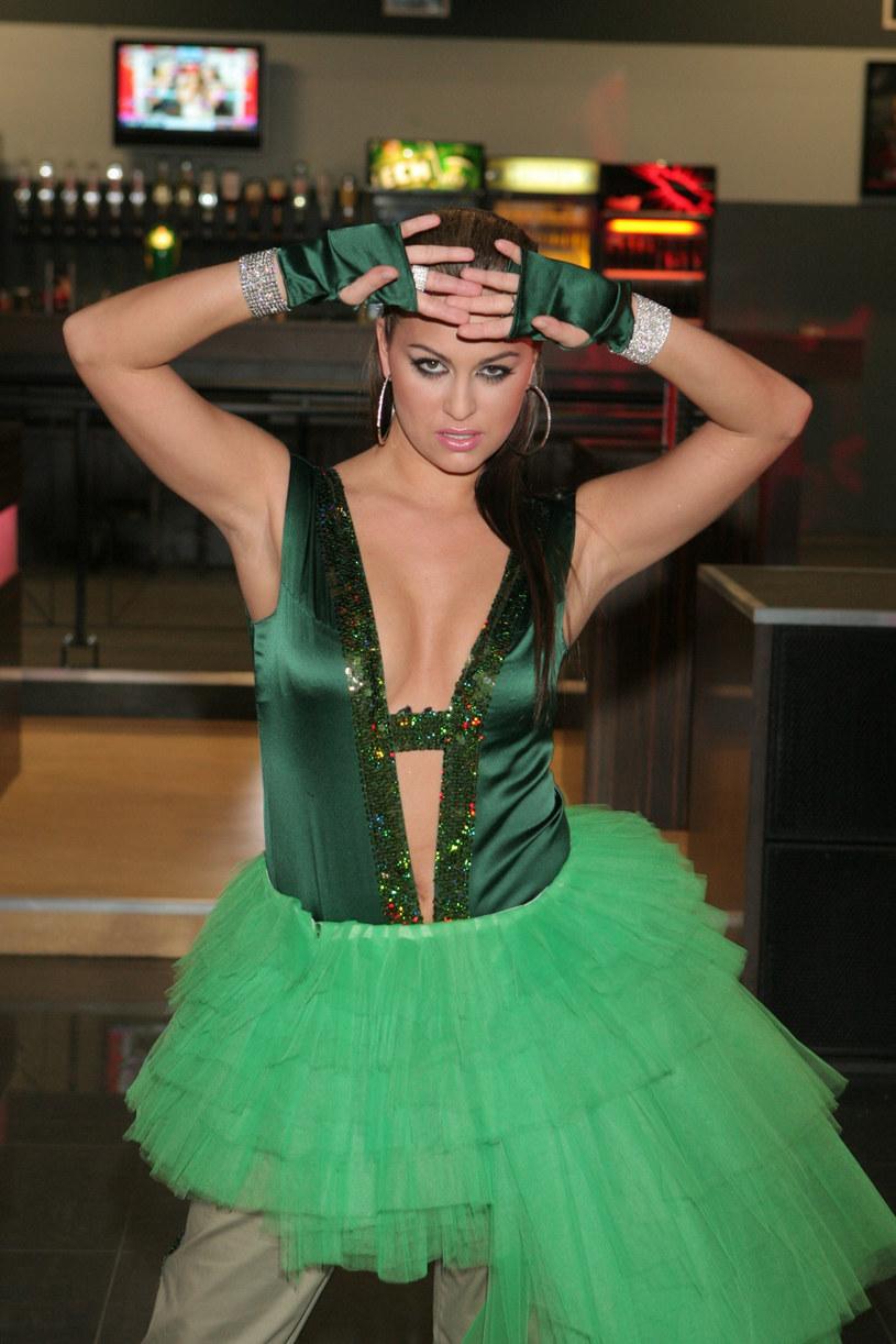Instagramowy profil Moniki Chojdak (wcześniej znanej pod nazwiskiem Niedek) zaczęła obserwować sama Jennifer Lopez, której polska wokalistka jest oficjalną sobowtórką.