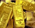 Surowce: Złoto w górę, ropa w dół w świecie zmagającym się z Covid-19