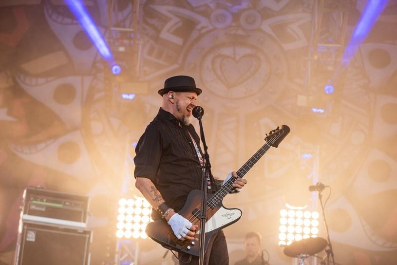 Jurek Owsiak ogłosił ostatnich dwóch wykonawców, którzy zagrają na żywo podczas Najpiękniejszej Domówki Świata, czyli internetowej wersji na Pol'and'Rock Festivalu (30 lipca - 1 sierpnia).