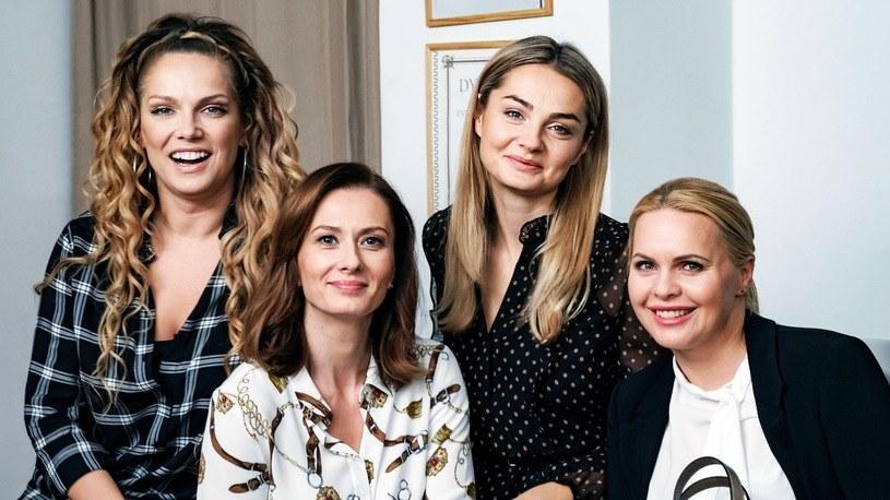 """Jak podaje serwis Gala.pl, aktorka Małgorzata Socha jest zakażona wirusem COVID-19. Informacji nie potwierdza na razie produkcja serialu """"Przyjaciółki""""."""