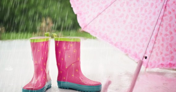 Opady deszczu w całym kraju, a także burze - tak może zmienić się pogoda w najbliższych dniach, jak przewidują synoptycy. Od środy, ale szczególnie w czwartek. Spadnie też temperatura.