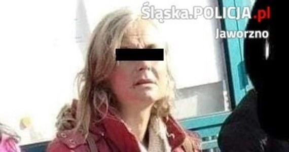 Zatrzymano kobietę, która w poniedziałkowy wieczór w Jaworznie zaatakowała 6-letnią dziewczynkę: uderzyła ją w głowę kostką brukową. Dziecko trafiło do szpitala w poważnym stanie.