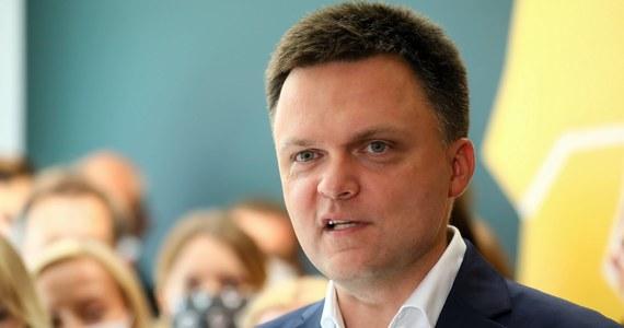 """Pełnomocnik wyborczy Szymona Hołowni Michał Kobosko poinformował PAP, że do KRS złożono wniosek o rejestrację stowarzyszenia """"Polska 2050"""". Powiedział też, że """"z Platformą będzie warto porozmawiać, ale naszym zdaniem rozmawiać można, gdy zbliżają się wybory, a najbliższe będą za trzy lata""""."""