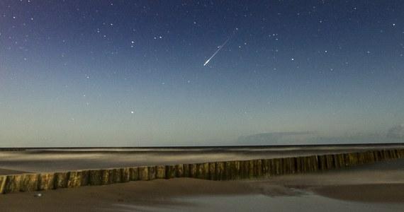 Do końca lipca wieczorami bardzo dobrze widać z terenu Polski przeloty Międzynarodowej Stacji Kosmicznej (ISS). Można ją zobaczyć nawet kilka razy w ciągu jednego wieczoru.