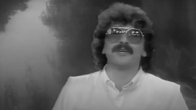 """Nie żyje J.J. Lionel. W latach 80. śpiewał słynne """"Kaczuszki"""", bez których nie mogły się odbyć imprezy w wielu krajach."""