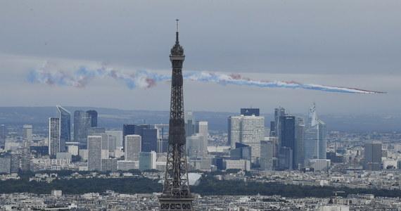 Premier Francji Jean Castex powiedział w czwartek w Senacie, że nakaz noszenia maseczek będzie obowiązywał w całej Francji już od przyszłego tygodnia. Oznajmił też, że kraj czeka najgłębsza recesja, odkąd prowadzone są statystyki dotyczące finansów państwa.
