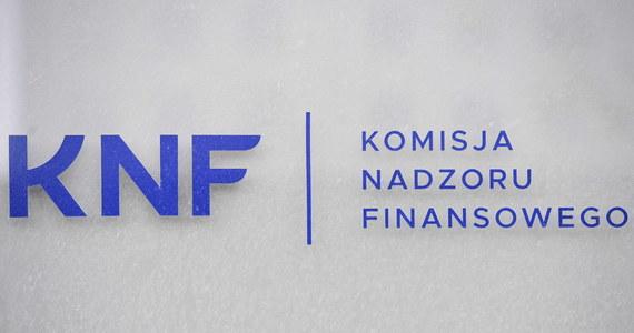 Prokuratura częściowo wycofuje się z zarzutów wobec byłego szefostwa Komisji Nadzoru Finansowego - dowiedział się reporter RMF FM Krzysztof Zasada. Chodzi o śledztwo, w którym były przewodniczący i wiceprzewodniczący KNF są podejrzani o nienależyty nadzór nad SKOK-iem Wołomin.