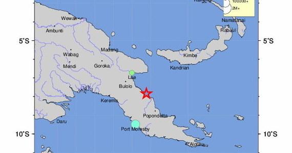 Silnie trzęsienie ziemi o magnitudzie 7,3 nawiedziło w piątek okolice miasta Wau w prowincji Moroba w Papui-Nowej Gwinei - poinformowała Amerykańska Służba Geologiczna (USGS). Epicentrum wstrząsów znajdowało się 18 km od Wau, hipocentrum na głębokości 85,2 km.
