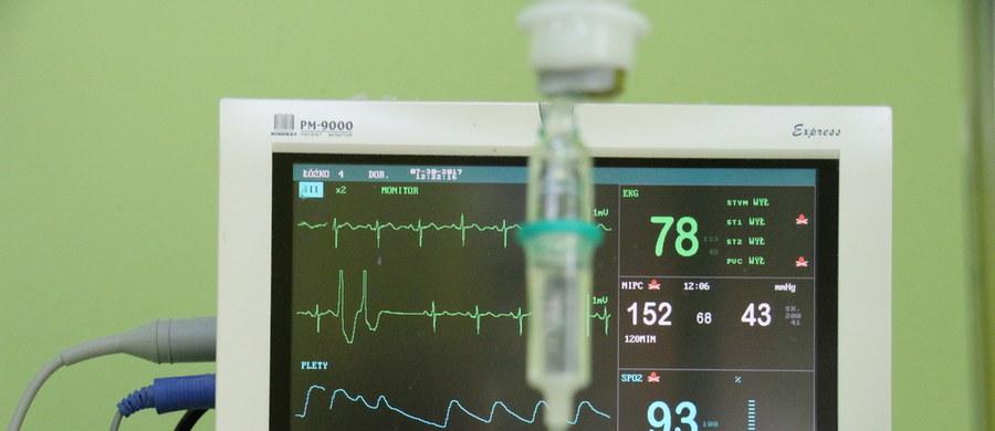 Jak i dlaczego w ludzkim sercu tworzy się prąd? Czym jest badanie EKG i kiedy się je wykonuje? Odpowiada prof. Maciej Sterliński, członek Zarządu Sekcji Rytmu Serca Polskiego Towarzystwa Kardiologicznego.