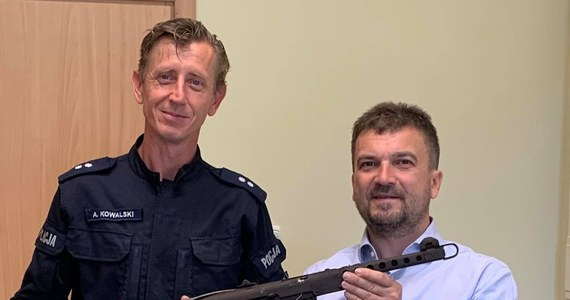 Radzieckiej produkcji pistolet maszynowy PPS, popularnie zwany pepeszą trafił do Muzeum Oręża Polskiego w Kołobrzegu. Pistolet przekazała komenda policji z Białogardu, gdzie zalegał w magazynie. Policjanci zarekwirowali ją komuś, kto posiadał popularna pepeszę bez pozwolenia.