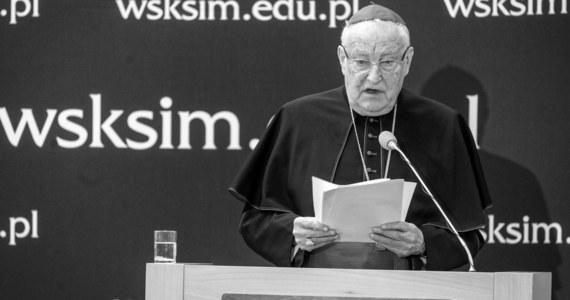 W obecności papieża Franciszka i przewodniczącego Konferencji Episkopatu Polski arcybiskupa Stanisława Gądeckiego w bazylice Świętego Piotra odbyła się w sobotę msza żałobna po śmierci kardynała Zenona Grocholewskiego, zmarłego w Rzymie w wieku 80 lat.