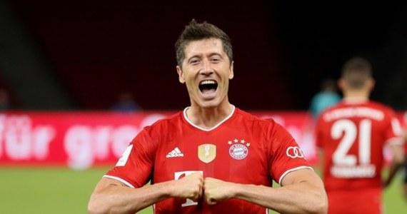 Nie zdobędzie w tym roku Złotej Piłki - a był w gronie faworytów - ale wciąż ma szansę sięgnąć po inne prestiżowe wyróżnienia. Robert Lewandowski powalczy w najbliższych tygodniach nie tylko o triumf w Lidze Mistrzów: po doskonałym sezonie polski napastnik ma szansę m.in. na tytuł Piłkarza Roku UEFA, a także na nagrodę Golden Foot.