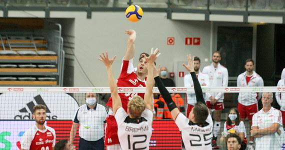 Wynikiem 3:1 dla Polaków zakończył się czwartkowy mecz z siatkarzami z Niemiec. To drugi mecz towarzyski, jaki odbył się w Zielonej Górze. W środę wcześniej biało-czerwoni zwyciężyli 3:2.