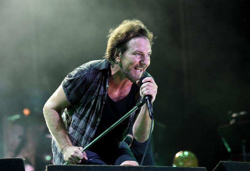Zaplanowana na lato 2020 r. europejska trasa grupy Pearl Jam została przełożona na 2021 r. w związku z pandemią koronawirusa. W ramach trasy 13 lipca mieli wystąpić w krakowskiej Tauron Arenie.