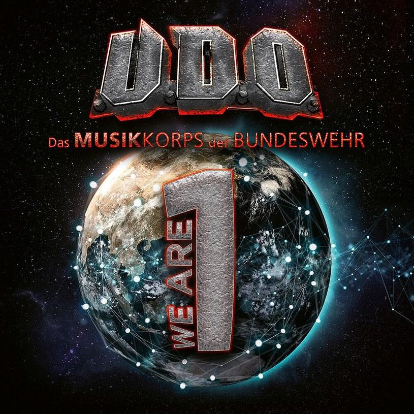 Udo Dirkschneider nagrywa z koncertowym zespołem armii niemieckiej a stary niegodziwiec Wagner przewraca się w grobie. I dobrze. Zasłużył sobie gamoń, żeby się już wiecznie tak przewracać.