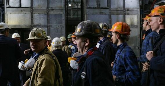 Ministerstwo Aktywów Państwowych i zarząd Polskiej Grupy Górniczej przedstawią program naprawczy spółki - podaje PAP. Według nieoficjalnych informacji mają zostać zamknięte niektóre kopalnie, a w szerszym planie - do 2036 roku - wszystkie.