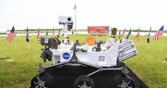 """Już dziś wczesnym popołudniem ma rozpocząć się Misja Mars 2020, której celem jest dostarczenie łazika Perseverance na Czerwoną Planetę. Mimo wielu przeciwności, w tym epidemii, to już ostatnia szansa dla NASA na powodzenie startu. """"Za każdym razem, kiedy jakikolwiek łazik dociera na Marsa, dowiadujemy się czegoś, co nas zaskakuje. Myślę, że i tym razem łazik nas nie zawiedzie"""" - podkreśla w rozmowie z RMF FM doktor astronomii Weronika Śliwa z Planetarium Centrum Nauki Kopernik."""
