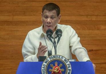 Prezydent Filipin do obywateli: Czyśćcie maski ochronne benzyną, to środek dezynfekujący