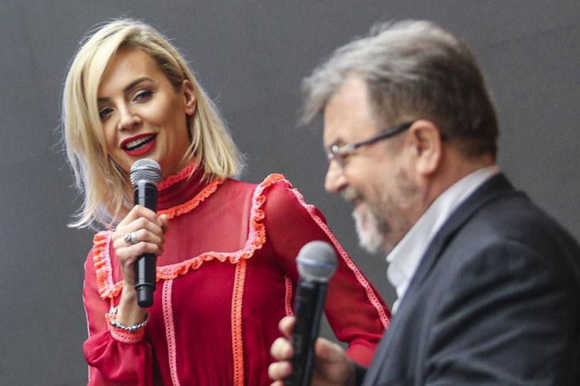 """Agnieszka Woźniak-Starak wraca do telewizji? Według """"Super Expressu"""" dziennikarka spotkała się w tym tygodniu z dyrektorem TVN-u Edwardem Miszczakiem, by porozmawiać o zawodowej przyszłości."""