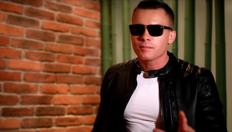 Na planie teledysku kręconego przez muzyka disco polo o pseudonimie Armando pojawiła się policja. Gwiazdor dostał ogromny mandat.