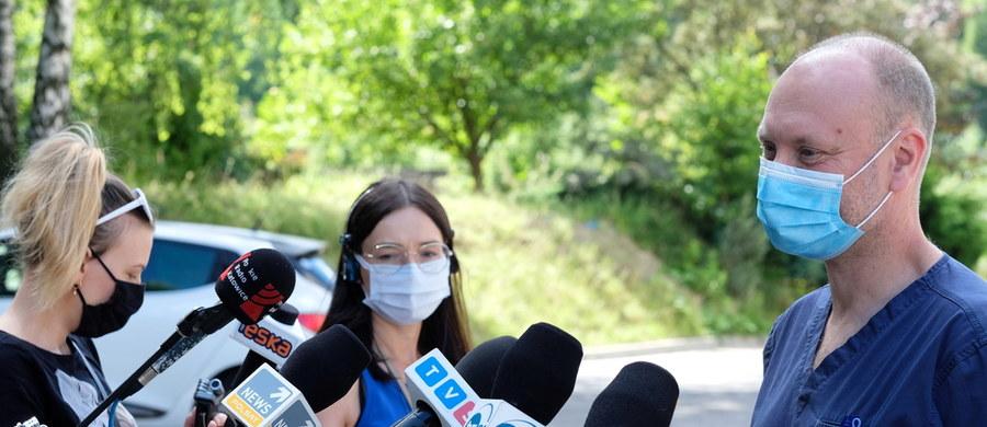 Są nowe informacje o stanie zdrowia półtorarocznego chłopca z Tychów, który wczoraj trafił do Górnośląskiego Centrum Zdrowia Dziecka w Katowicach z poważnie poranioną szyją. Jak podają lekarze, dziecko jest w śpiączce farmakologicznej. Jego matka usłyszała zarzut usiłowania zabójstwa.
