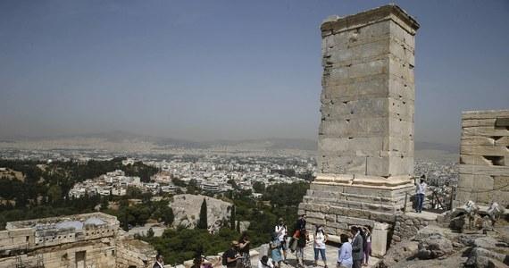 Grecja chce wprowadzić obowiązkowe maseczki na pokładach promów pływających między wyspami. To efekt nagłego wzrostu zakażeń koronawirusem, który może zagrozić greckiemu sezonowi turystycznemu.