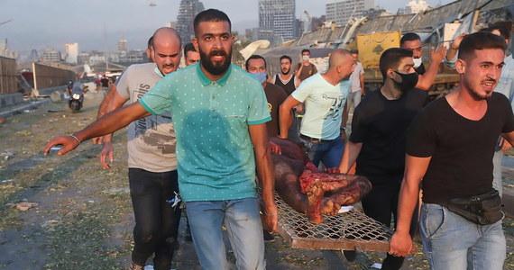 Izrael nie ma nic wspólnego z eksplozją w stolicy Libanu - oświadczył anonimowy urzędnik izraelski cytowany przez agencję Reutera. Źródła zbliżone do Hezbollahu potwierdziły to w libańskiej telewizji. USA, Francja, Wielka Brytania, Turcja i Iran zaoferowały już pomoc władzom w Bejrucie.