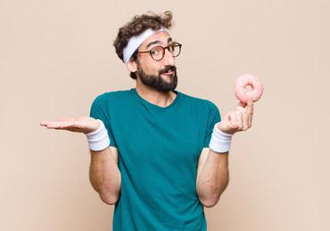 Cukier i sport, czyli jak radzić sobie z zapotrzebowaniem na słodycze, by pozostać fit