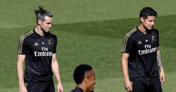 Napastnik Gareth Bale i pomocnik James Rodriguez nie znaleźli się w składzie zgłoszonym przez Real Madryt do rewanżowego meczu z Manchesterem City w 1/8 finału piłkarskiej Ligi Mistrzów. Spotkanie ma się odbyć w piątek o 21.00.
