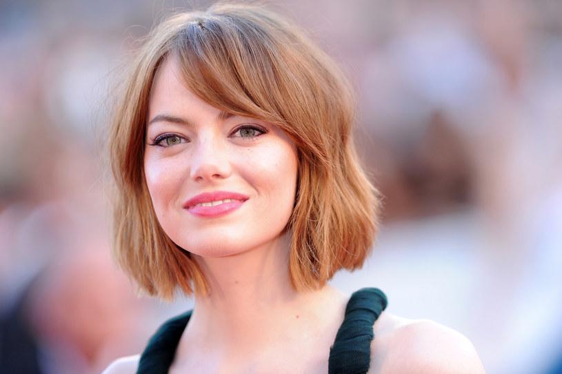 32-letnia amerykańska aktorka, zdobywczyni Oscara Emma Stone jest w ciąży. Zagraniczne media opublikowały zdjęcia gwiazdy z wyraźnie zaokrąglonym brzuszkiem.