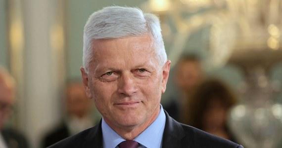 Poseł Koalicji Polskiej-PSL Andrzej Grzyb jest kolejnym parlamentarzystą, u którego w ostatnich dniach wykryto koronawirusa - dowiedział się Onet. Zakażeni są także członkowie Senatu: Jan Filip Libicki i Ryszard Bober z Koalicji Polskiej-PSL oraz Artur Dunin z KO.