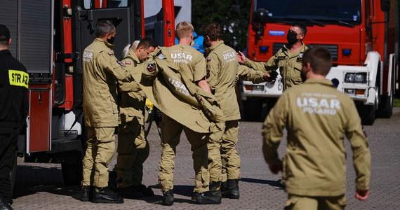 Polscy strażacy wcześnie rano rozpoczęli prace poszukiwawcze na miejscu wybuchu w Bejrucie - poinformował rzecznik komendanta głównego PSP Krzysztof Batorski.
