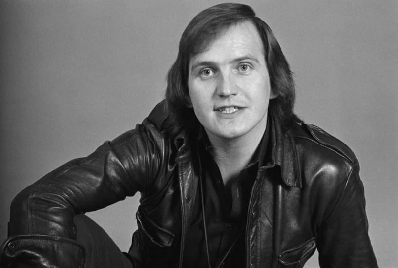 """Wykonawca przeboju """"Game of Love"""" z grupą The Mindbenders – Wayne Fontana - zmarł 6 sierpnia w wieku 74 lat."""