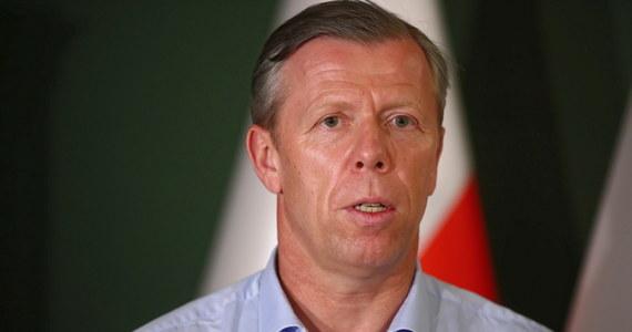 Wojewoda Małopolski Piotr Ćwik został odwołany decyzją premiera Mateusza Morawieckiego - dowiedzieli się dziennikarze RMF FM. Nie wiadomo, jaki jest powód decyzji. Na stanowisku zastąpi go Łukasz Kmita.